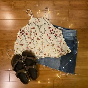Tops - 🌻 Embroidered halter top